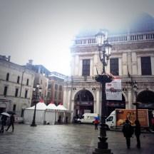 Piazza della Loggia a Brescia, la 1000 Miglia parte da qui
