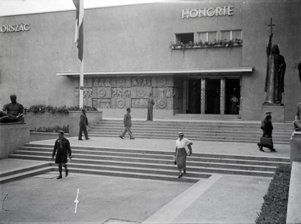 hungarian pav 1937 Paris fortepan_134855.jpg