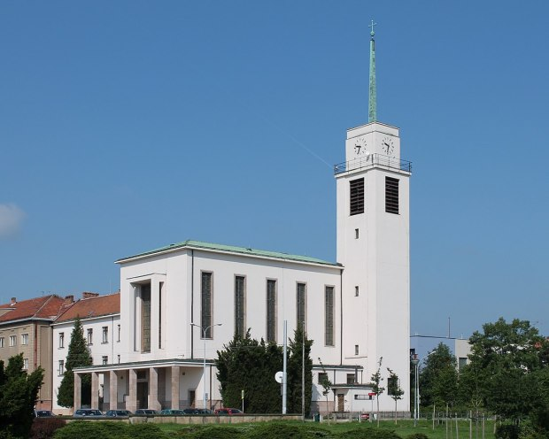 1125px-Brno,_kostel_sv._Augustina_(2013-06-08;_01)