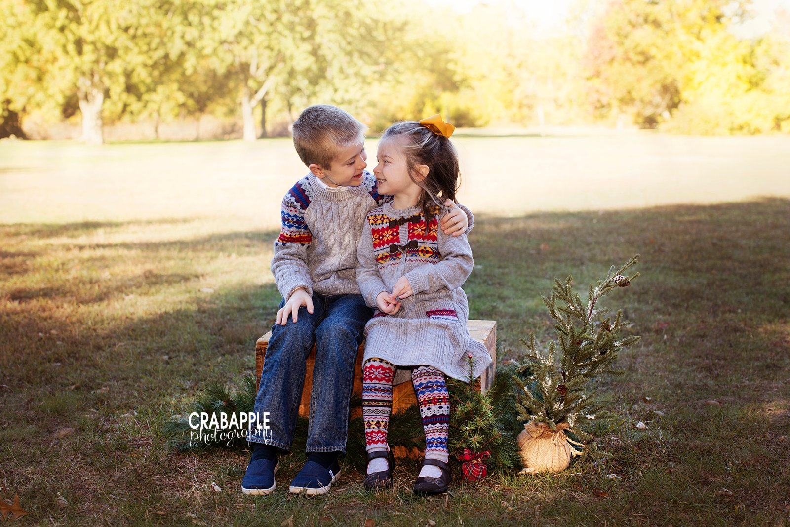 Outdoor Fall Family Photo Clothing Ideas 6 Tips