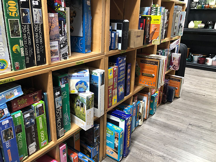 MEOW Charity Thrift Shop Board games