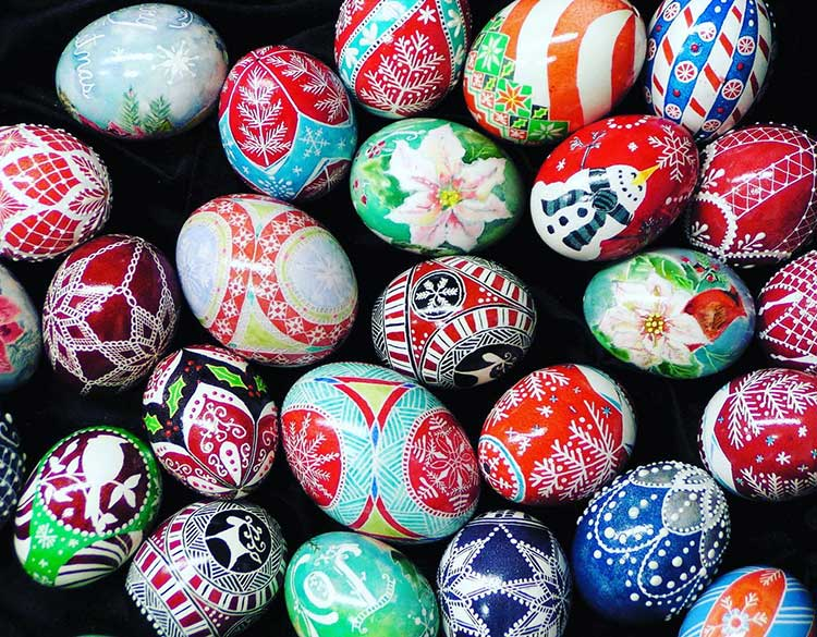 Crazy4Crafts Christmas Market decorative eggs
