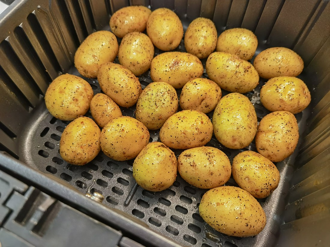 Review: COSORI 5.8QT Air Fryer From Amazon mini potatoes
