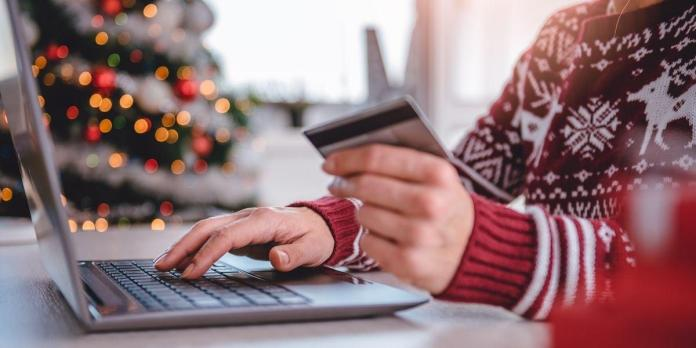 This Amazon Gift Card Scam is Ruining Holiday Season