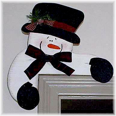 Make A Pine Wood Painted Corner Snowman