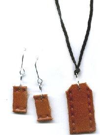 Recycled Belt – Basic Earrings