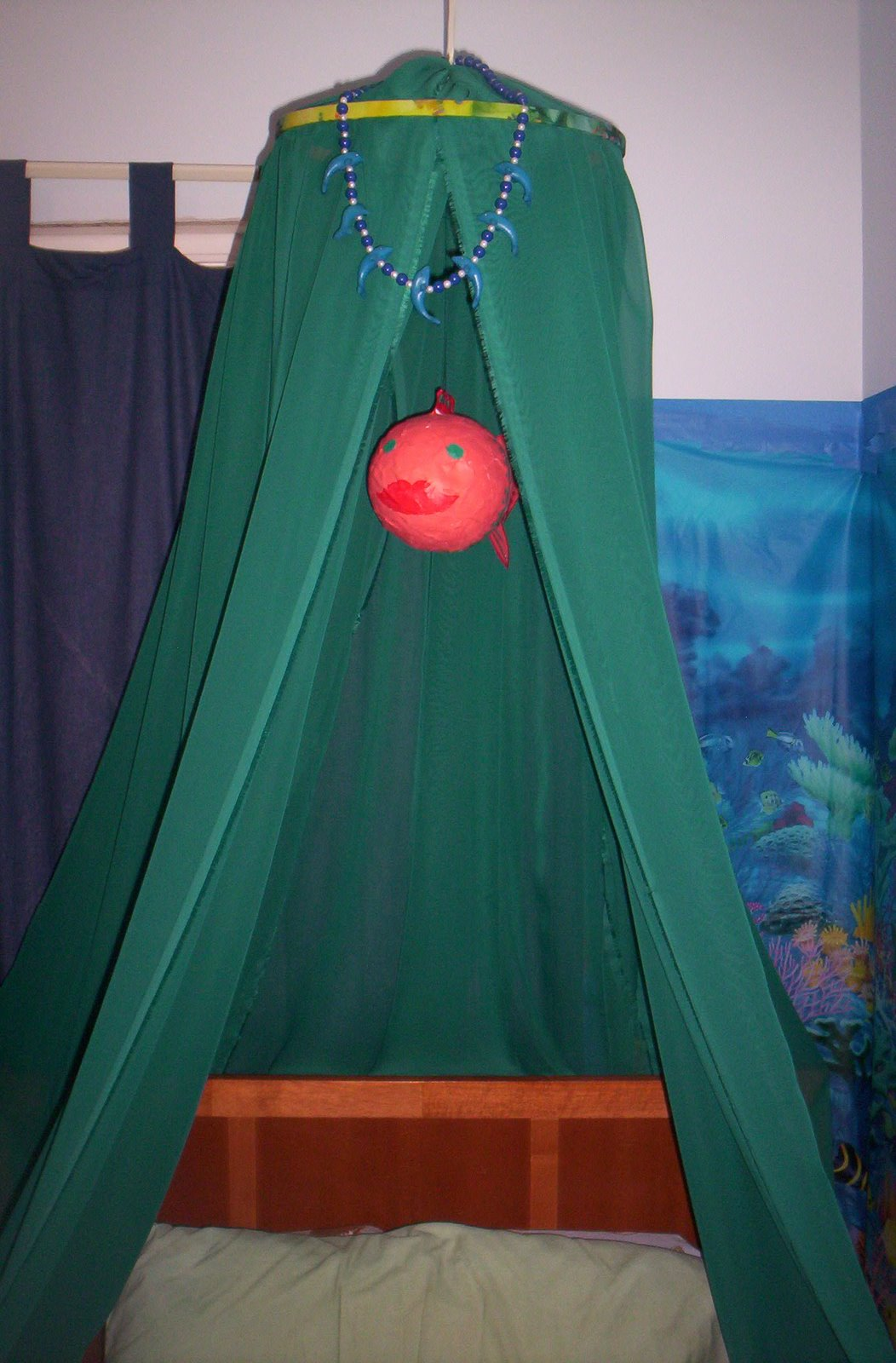 Bed Canopy No Nails : No sew bed canopy home crafts craftbits