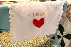 Free Printable: Valentine's Chair Envelope Pouch