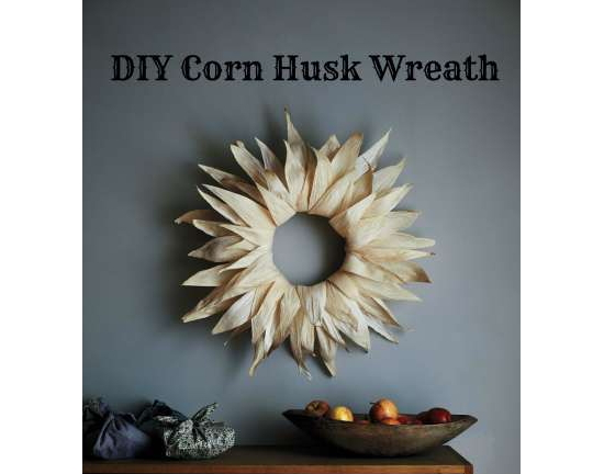 corn-husk-wreath-thanksgiving