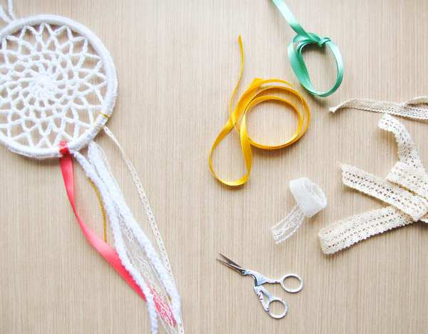How To Make A Crochet Dreamcatcher