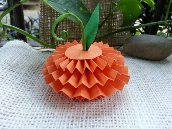 Make Accordion Fold Paper Pumpkin