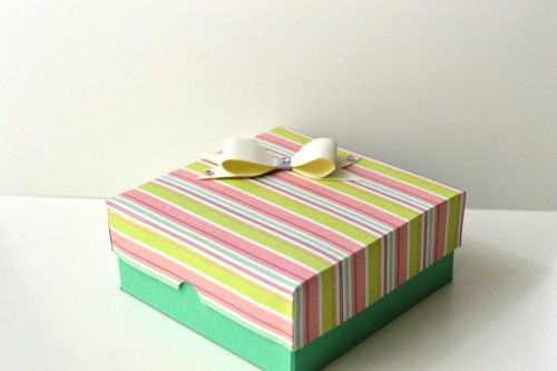 Make Your Own Valentine's Day Paper Gift Box