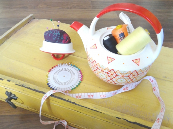 Vintage Teapot Sewing Caddy