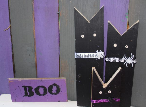 Halloween Yard Art – Black Cats