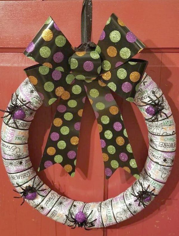 Halloween Wreath – Ribbon & Spiders