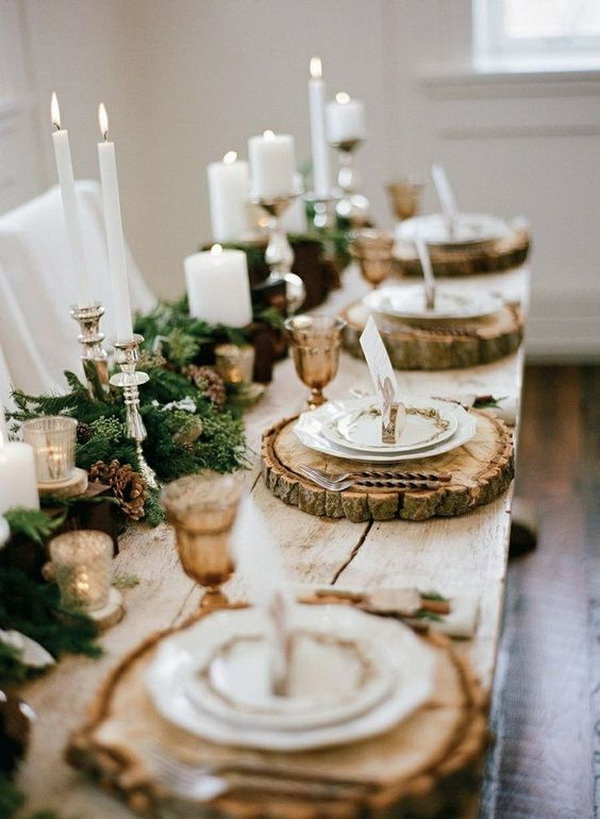 Farmhouse table settings with wooden slice.