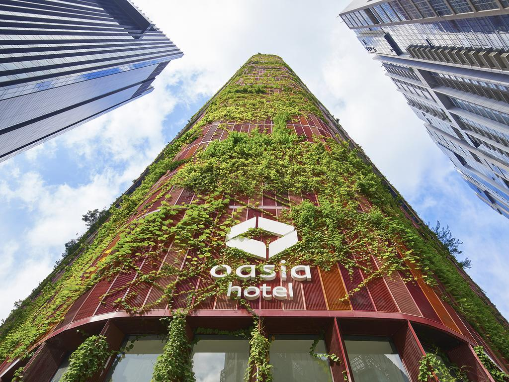 Staycation in Singapore during Phase 2 at the Oasia Hotel Downtown. The Biophilic facade is the work of architect firm WOHA.