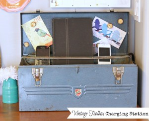 Vintage-Toolbox-Charging-Station-at-The-Happy-Housie-1024x835
