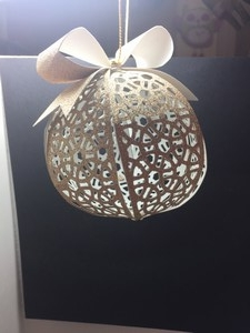 gold-glitter-ornament1