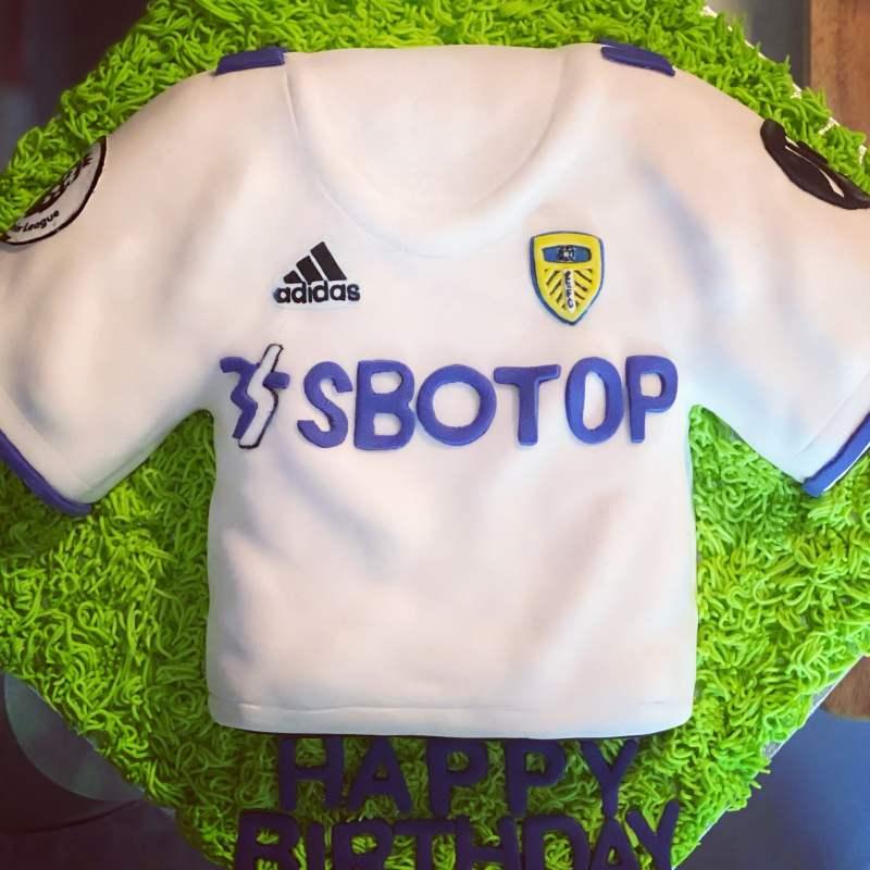Leeds Cakes - Leeds United Birthday Cake 2020-21 season