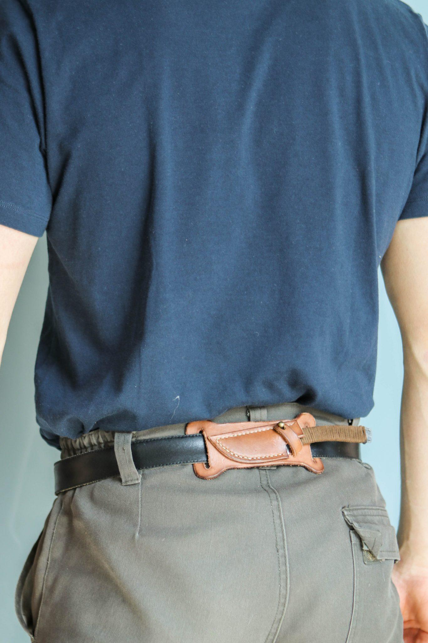 Lander Verschueren mes messen zelfgemaakt handgemaakt wapen smeden smid leer leren leder hoes schede rug-mes