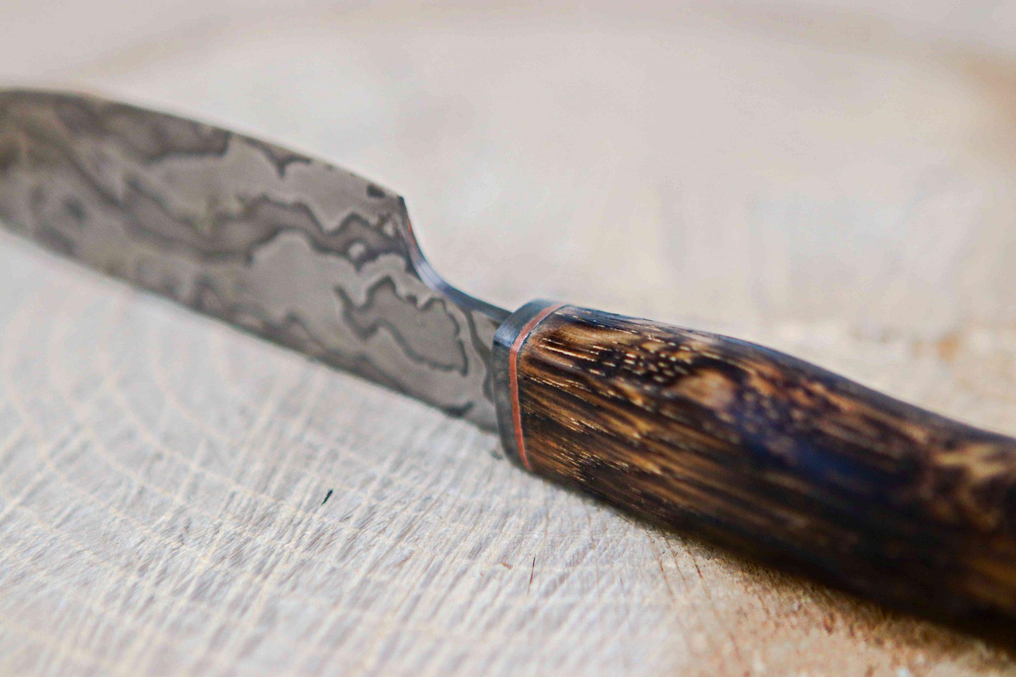 Lander Verschueren mes messen zelfgemaakt handgemaakt wapen smeden smid leer leren leder hoes schede jachtmes damascus