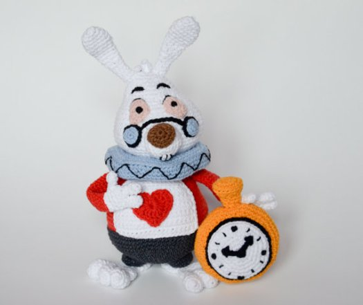 Disney's Alice in Wonderland White Rabbit crochet doll pattern