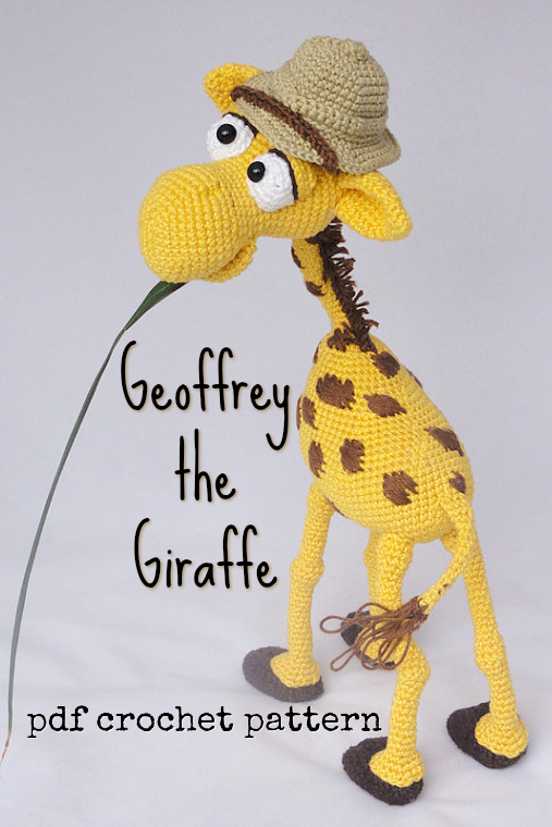 Love this adorable cartoon toy giraffe amigurumi crochet pattern! What a fun character toy to make for a jungle-loving kid! Great handmade gift idea!