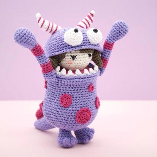 Gerbera Gemma - flower doll crochet pattern | Zabbez amigurumi ... | 526x525