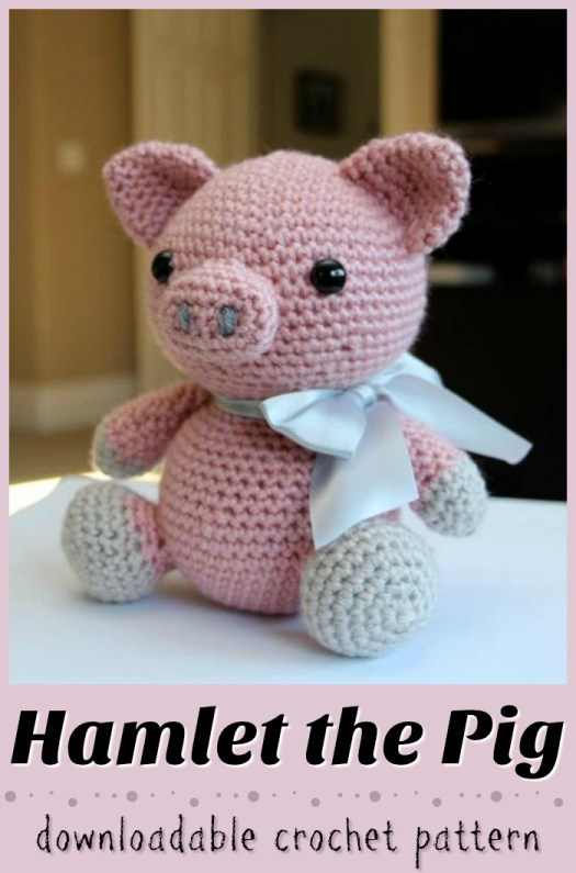 What a cute little pig amigurumi crochet pattern! Love this perfect farm animal crochet stuffie! #crochet #yarn #pattern #crafts #amigurumi #crochetpattern #amigurumipattern #pig #pigstuffie #handmadegifts #handmade #diygifts #diytoys #handmadetoys #farmanimlas #craftevangelist