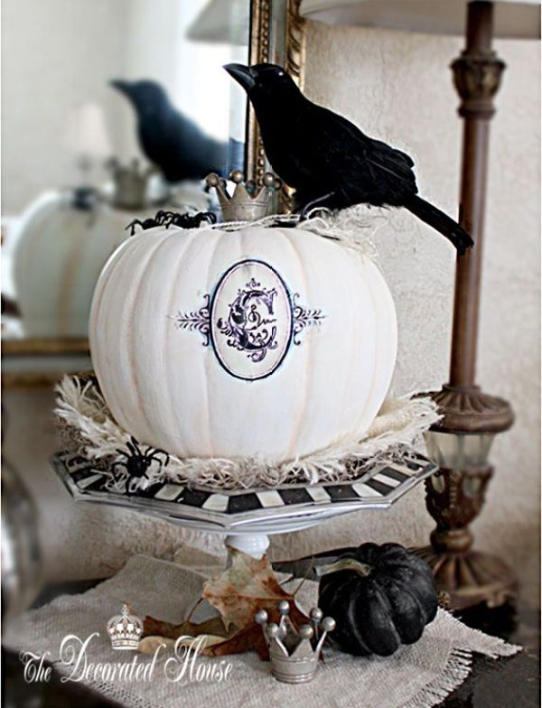 Halloween Decorating - The Decorated House