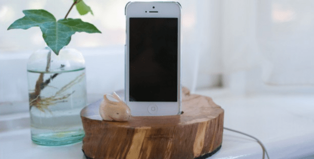 DIY Wooden Phone Dock - Phone Charging Station