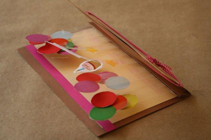 regalos para amigas: tarjeta stand pop