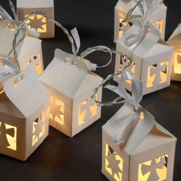farolitos de papel con luces de navidad