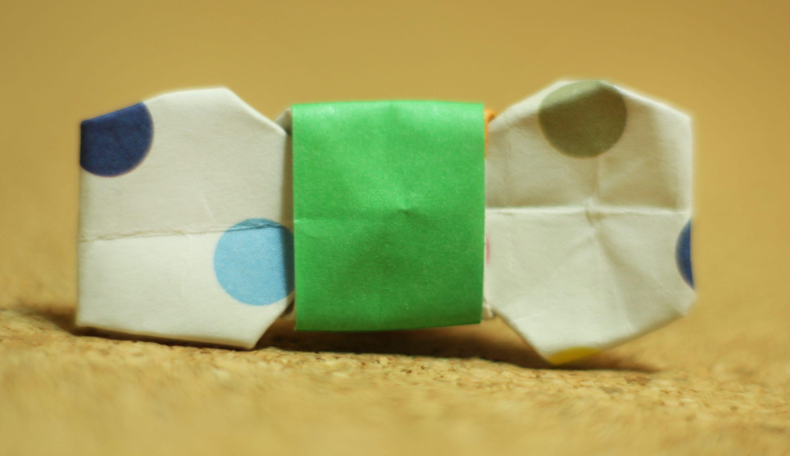 Corbatin de papel