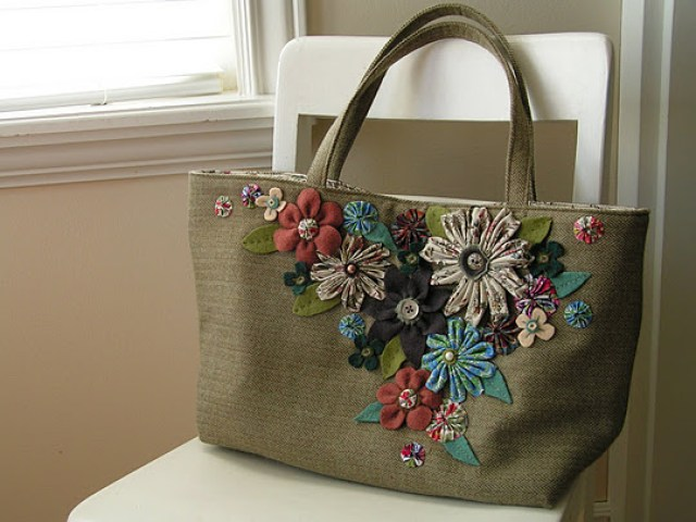 handmade-bags-and-purses-best-tutorial-with-fabric-flowers