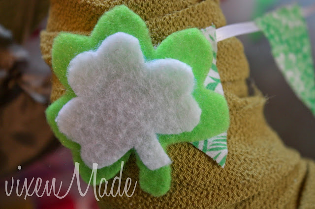 St Patrick's Day Bunting Wreath tutorial