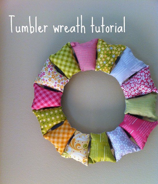 DIY-fabric-wreath-diy-wreaths-great-ideas