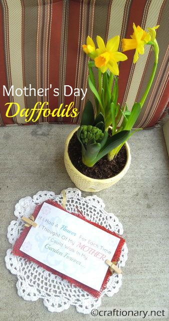 easy flower pot mothers day gift idea with free printable