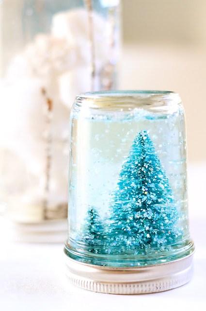 mason-jar-snow-globe