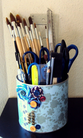 spacious-tin-cans-organizer-for-crafts