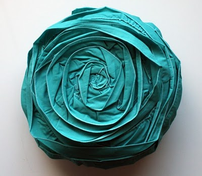 diy-flower-pillow-tutorial