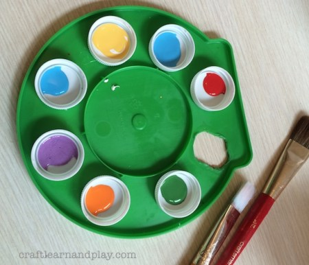 DIY up-cycled painter's palette for kids