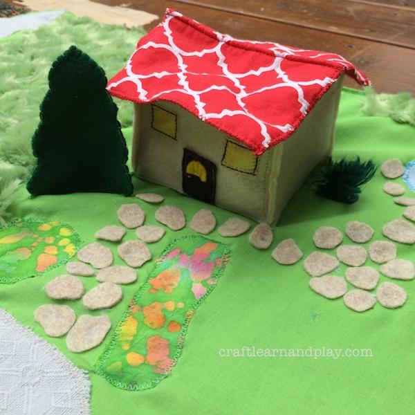 felt house playmat