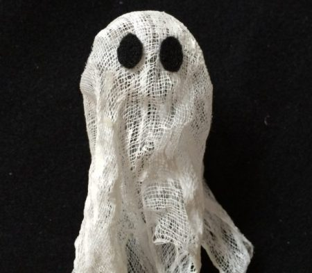 Ghost halloween crafts for kids easy made with cheese cloth. Click for full tutorial.