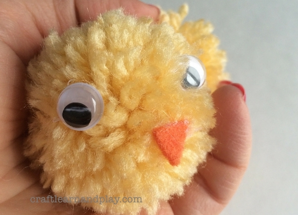 diy-pom-pom-chicks-2