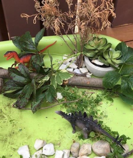dinosaur sensory table play greta for small world preschool learnig