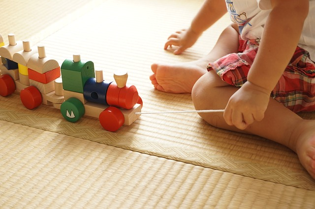 toddler-age appropriate activities for 1 year old