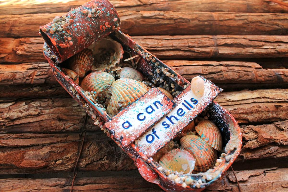 "H ανακυκλωση στην δημιουργια - Mix media ""a can of shells"" και κουμπαρας απο πλαστικο ποτηρι με decoupage"