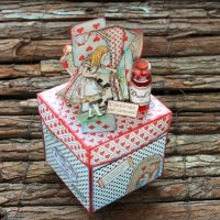 "Scrapbooking explosion box ""Alice"""